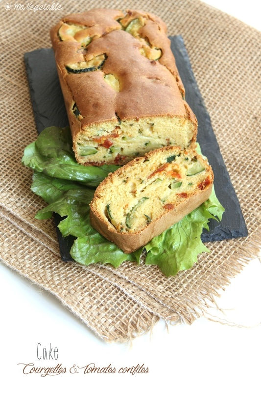 CAKE SS GLUTEN AUX COURGETTES ET TOMATES SECHEES